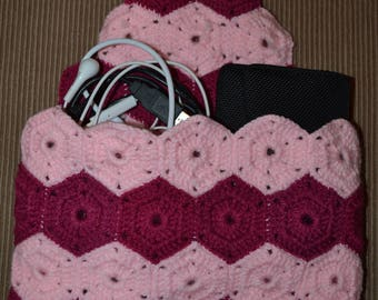Hand made. Bag - Pouch - tote for paperback-cables, kits, crocheted with pink/Fuchsia wool. Flap with button