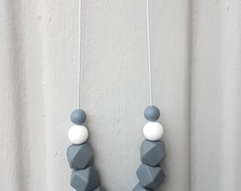 Baby silicone teething necklace- charcoal and white