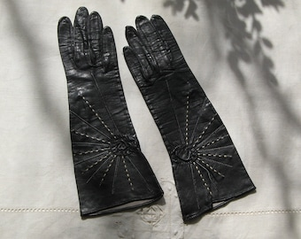 BEAUTIFUL BLACK LEATHER Vintage Gloves, 1950's.