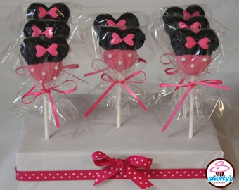 Minnie Mouse Gourmet Cake Pops