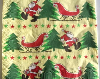 20 napkins identitiques Santa and his SLEIGH REF.   3862