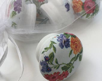 White floral 50mm wooden drawer knob