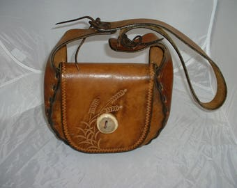 Vintage Leather Saddle Purse with Wheat stamping