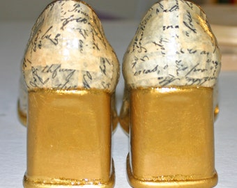 Decoupaged Emancipation Proclamation Shoes Womens Size 7.5 Shiny Golden Wedges