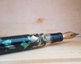 Fountain Pen-Tortoiseshell Green and Black Old Writing Instrument-Do-Write Pen Nib Collectible Fountain Pen