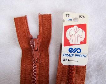 Zip closure, molded, caramel brown, 25 cm (Z54 975)