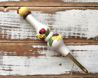 Made to Order Ergonomic Crochet Hook, Sunflowers and Ladybugs, Custom Handmade Crochet Hook, Polymer Clay Crochet Hooks, Curvy