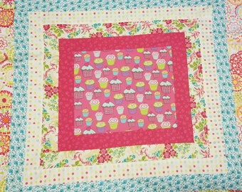 Cupcakes Raggy Quilt
