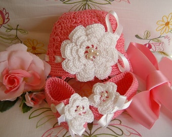 Baby shoes and crochet hats for babies. Pink Cotton with Ireland roses applied. Baby Crochet. Girl Fashion for Spring