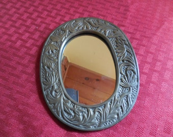 Vintage 197Os to 1980s Mirror Self Standing Easel Back Small Decorative Metal Gold Tone Oval Made in Taiwan R.O.C. Brass Hanging Crowning