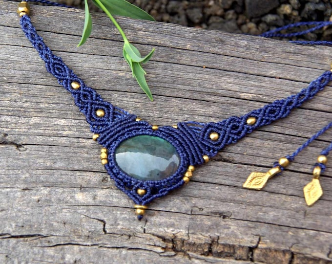 Macrame Necklace Mod. Susana, with precious LABRADORITE, fairy necklace, goddess jewelry, nickel free, talisman yoga, amulet stone, brass