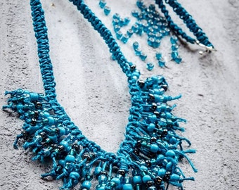 Turquoise macramé necklace with beads