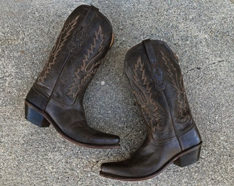 Vintage Old West brown leather cowboy boots