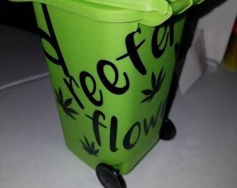 i Heart GREEN Recycling Bin