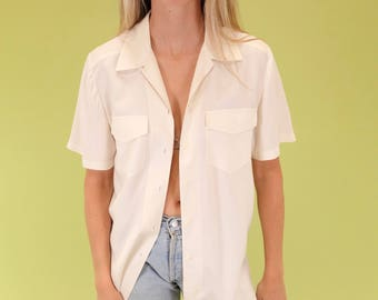 Amazing softest 100% silk vintage button up with front pockets SIZE M