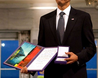 President Barack Obama Receives the Nobel Peace Prize in 2009 - 5X7, 8X10 or 11X14 Photo (EE-148)