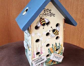 Vintage Bee Cottage, House Garden Decor,  Wood, Hand Painted and 3D detailing -  EUC