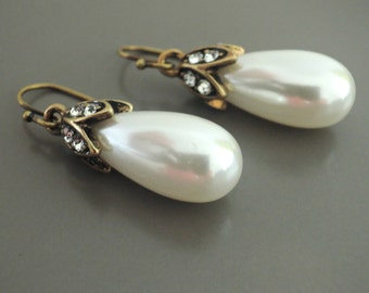 Pearl Earrings - Wedding Earrings - Crystal Earrings - Gold Earrings - Teardrop Earrings - Bridesmaid Earrings - Handmade Jewelry
