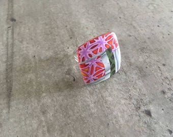 Ring with polymer clay pattern grey wood