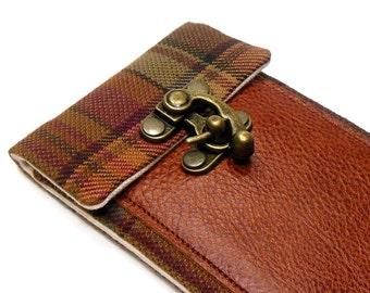 iPhone 6 / 7 / 7 Plus wallet - brown, orange and red plaid