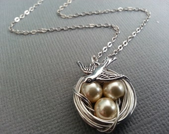 Buttercream Pearl Birds Nest Necklace