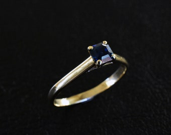 Dark Blue Sapphire Engagement ring Natural Australian Gemstone Solid 9K Yellow Gold Engagement Ring