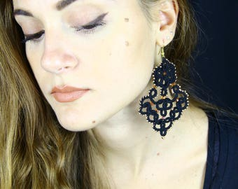 ORECCHINI grandi neri in CHIACCHIERINO/Regali per lei/tatted earrings/accessori per lei/idee regalo/orecchini con perline/orecchini in pizzo