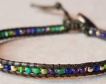 Seed bead bracelet, dainty leather bracelet, beaded bracelet, beaded jewelry, adjustable bracelet, green bracelet, boho bracelet, dainty