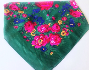 Vintage Green Floral square scarf, Russian scarf, Gift for Coworker, Gold Metallic Scarf,  Babushka Polish platok, 28X28 Square Neckerchief