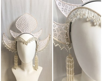 White Bohemian Headdress / Lace & Pearl Fringe Deco Headdress Headband / 1920s Inspired Boho Bridal Costume Headpiece W/ Detachable Earrings