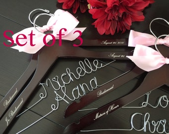 bridesmaids gift, bridal party gifts, maid of honor gift, wedding custom hanger, wire name hanger, bride gift, bridal shower gift, weddings