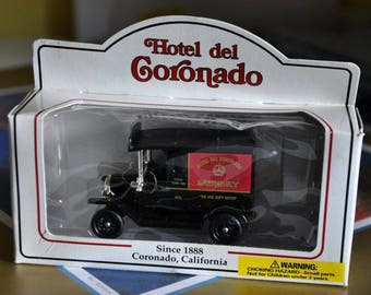 Hotel Del Coronado Die Cast Model Laundry Truck, San Diego Landmark Hotel, Model Toy Car, Vintage Collectors Truck, Historical Laundry Truck