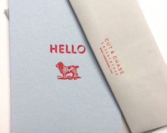 Bonjour typographie Doggy Notecards Pack de 4