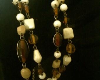 Vintage Brown Tones Glass Bead Necklace      VG2313