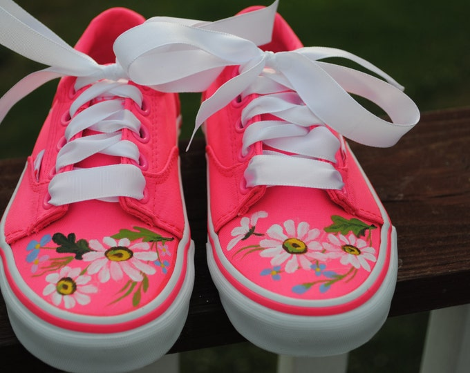 For Sale Childrens Vans boys size 12 ero size 30 Pink flowers shoes... READY TO SHIP