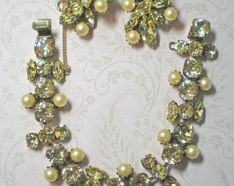 REGENCY  Demi Parure  Jonquil Rhinestones and Faux Pearl     ITEM NO: 15532