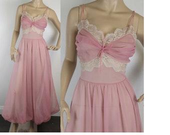 Vintage 1950s light pink nylon lace nightie sleeping gown peignoir medium 424