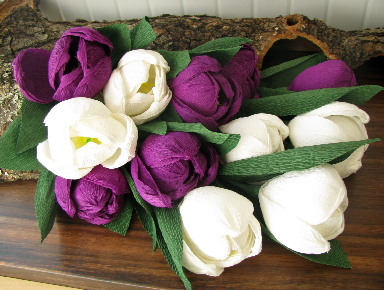 wei lila tulpen krepp papier blumen brautstrau wedding. Black Bedroom Furniture Sets. Home Design Ideas