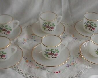 Set of 6 Arcopal Espresso Cups and Saucers Tropical Bird Design