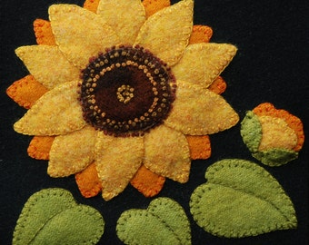"""Wool applique BOM PATTERN &/or KIT """"Sunflower"""" 6x6 block 1 of 24 in """"Four Seasons of Flowers"""" wool quilt bed runner wall hanging felted wool"""
