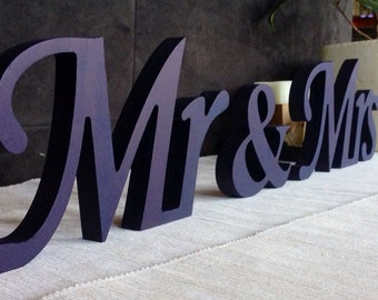 Sign wedding signs mr and mrs wedding signs wedding table decoration Mrs and Mr signs