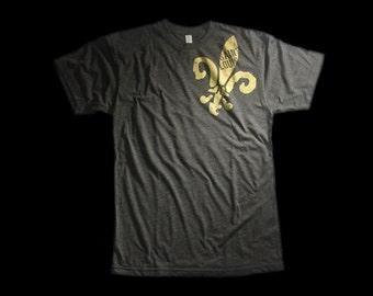 St. Louis Fleur De Lis T-shirt (Men & Women)