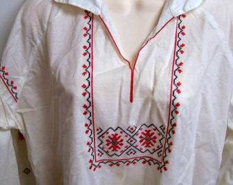 Vintage Peasant Blouse Embroidered Size Small