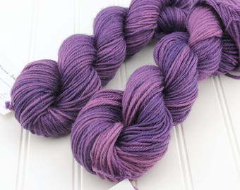 Plush Worsted, 4 oz - Blackberry Jam - 100% superwash merino hand dyed, tonal semisolid yarn
