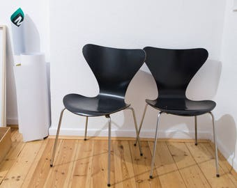 Fritz Hansen Chair Series 7 by Arne Jacobsen, Danish design