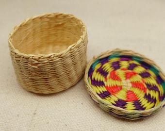 Vintage  Native America Basket - Indian Basket - Miniature Native American Basket