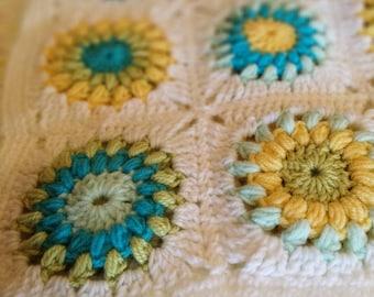 Baby sunburst granny square blanket