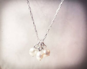 Tiny pearl necklace, three pearl necklace, freshwater pearl necklace, minimalist pearl necklace, pearl necklace, silver necklace