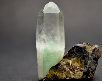 40 carat  Green Phantom Dow Termination, Fuschite / Fuchscite Phantom Quartz. Raw and Natural Mineral Specimen. Madagascar