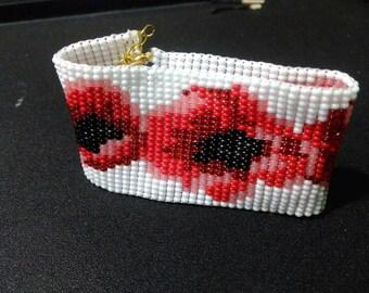 ukraine bracelet beads/White bracelet/red poppy/handmade/poppy bracelet/Flower Bracelet/Jewelry Bracelets/Beaded Bracelets/Ukrainian style